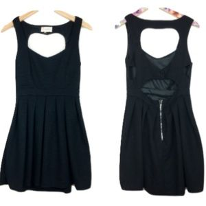 L'astiste by Amy Heart Cutout Black Dress